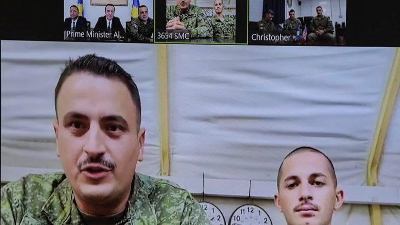 Kurti bashkëbisedon me ushtarët e FSK-së me mision në Lindjen e Mesme