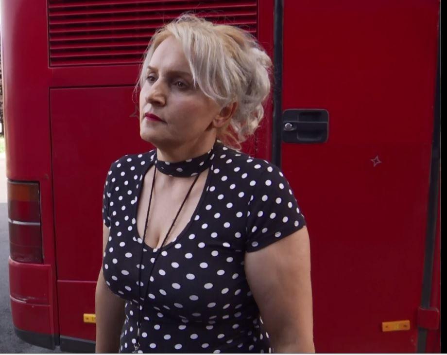 Mërgimtarët vazhdojnë të vijnë, disa tregojnë pse zgjedhin transportin me autobusë
