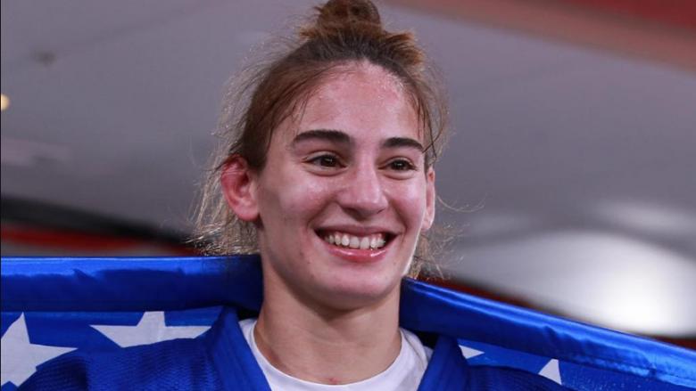 Nora Gjakova deklarohet me shumë emocione për medaljen e artë në Lojërat Olimpike