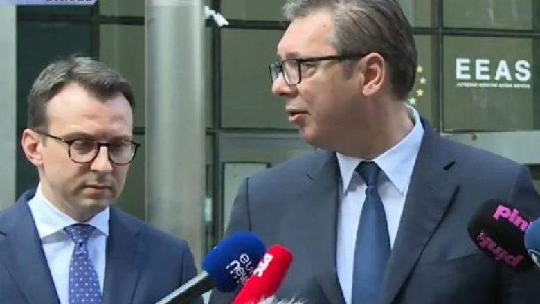 Nervoz pas takimit me Kurtin, Vuçiq i reagon me poshtërim Petkoviqit