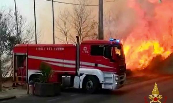 Zjarret shkatërruese në Itali, kryeministri nënshkruan dekretin për mobilizim kombëtar