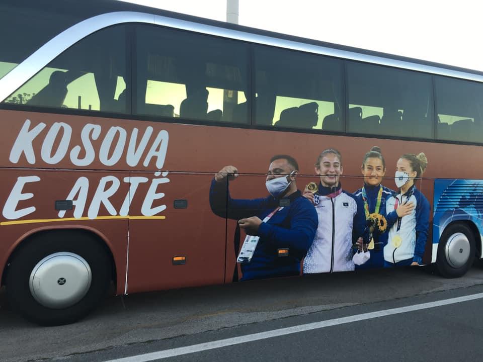 Shtyhet për 35 minuta arritja e ekipit olimpik të xhudos në Kosovë