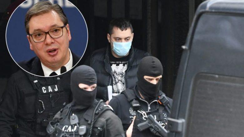Gazeta franceze, Le Monde: Vuçiq ka lidhje me grupet kriminale në Serbi