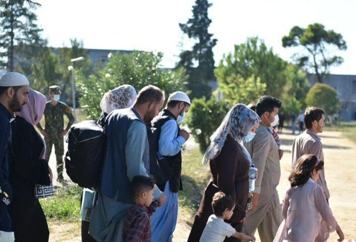 Mbërrijnë në Rinas 259 fëmijë, gra e burra të larguar nga Mazari Al Sharif