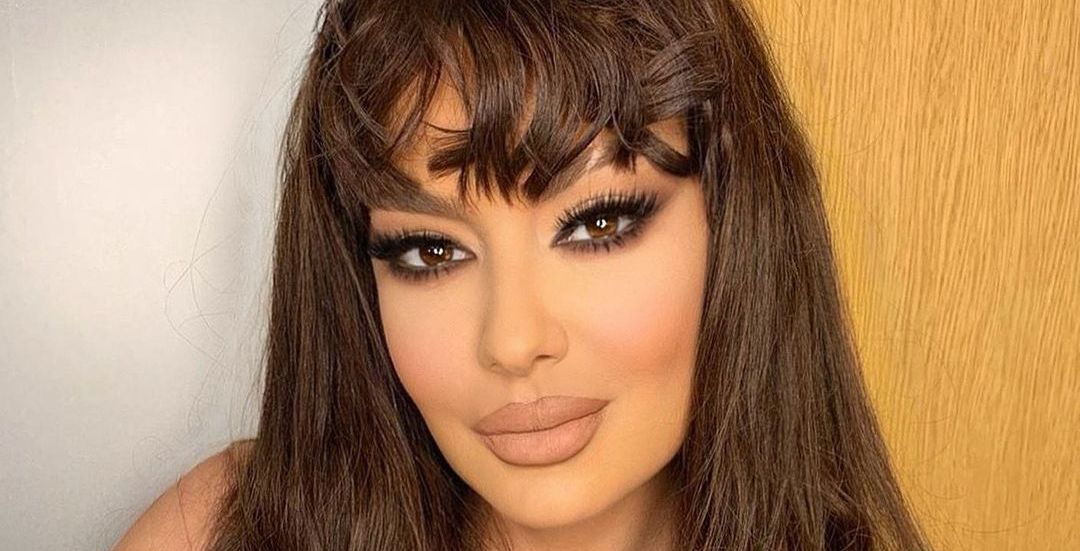 Adelina Ismaili shfaqet me një fustan interesant