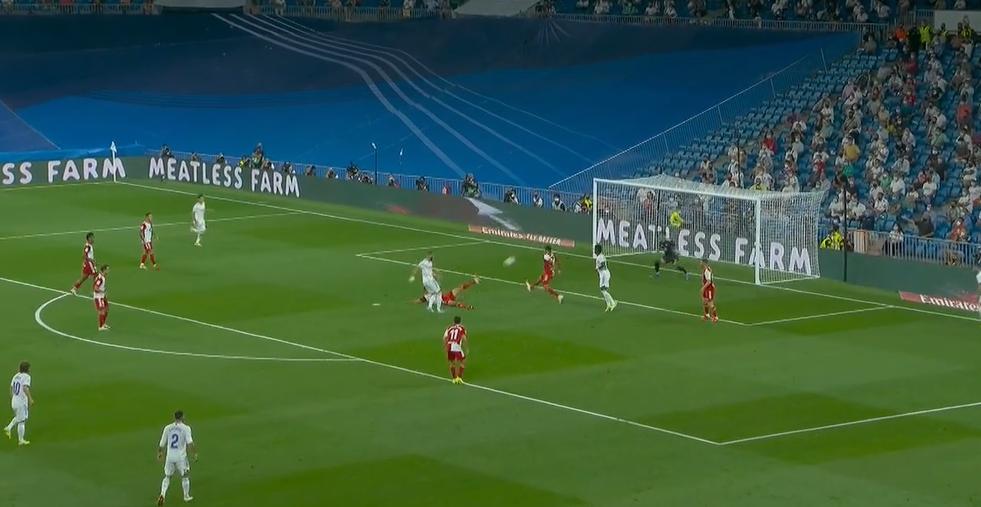 Real Madrid kthehet në lojë, realizon Benzema