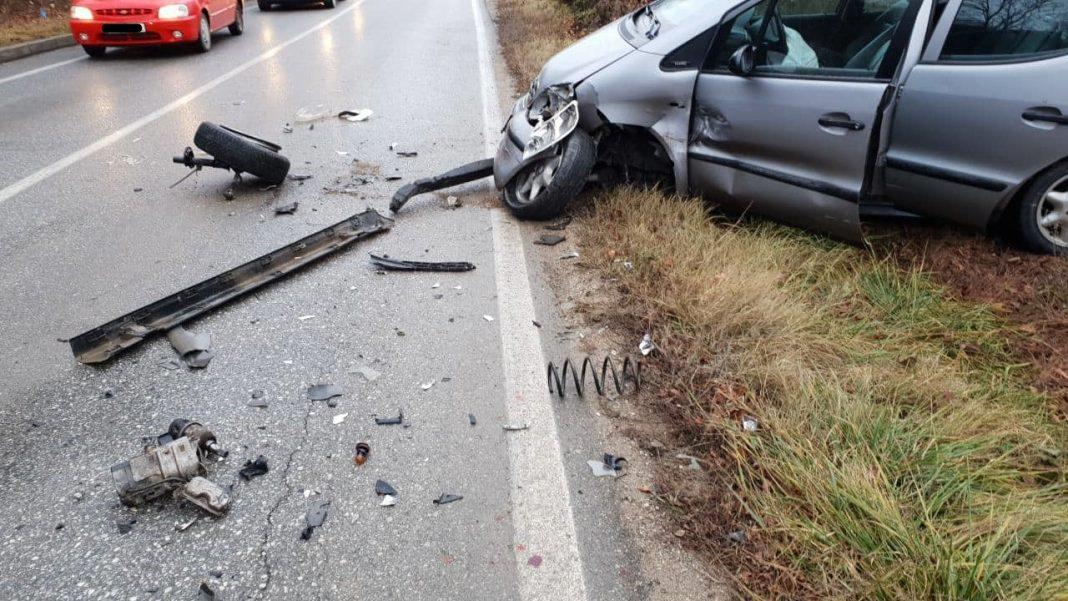 Shtatë persona të lënduar në aksidentin mes dy automjeteve në Prishtinë