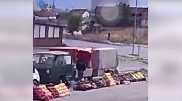 Publikohen pamjet nga momenti i rrokullisjes së kamionit të zjarrfikësve në Kllokot
