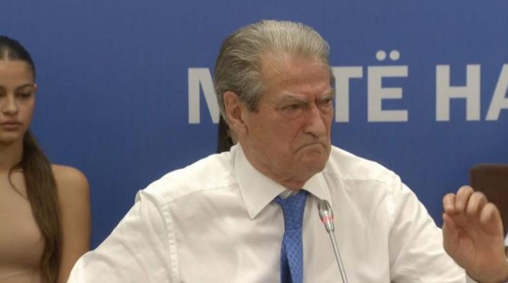 """Berisha: """"Ballkani i Hapur"""" kërcënon ekzistencën e Kosovës, Tirana është kthyer në vasal të Beogradit"""