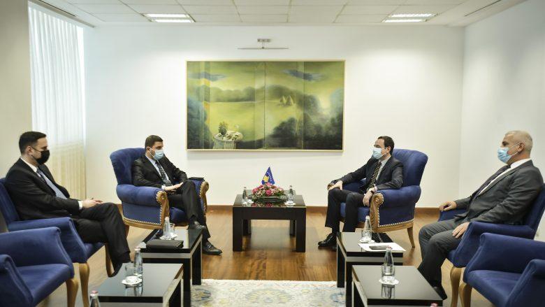 Situata në veri, Krasniqi e Abdixhiku i ofrojnë mbështetje Kurtit për sundimin e ligjit në mbarë territorin e Kosovës