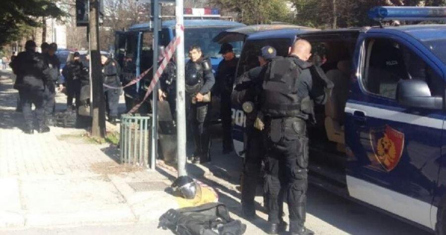 """Policia aksion """"blic"""" në Lezhë-Shëngjin, tre të arrestuar, e pësojnë të rinjtë nga Kosova dhe një nga Arabia"""