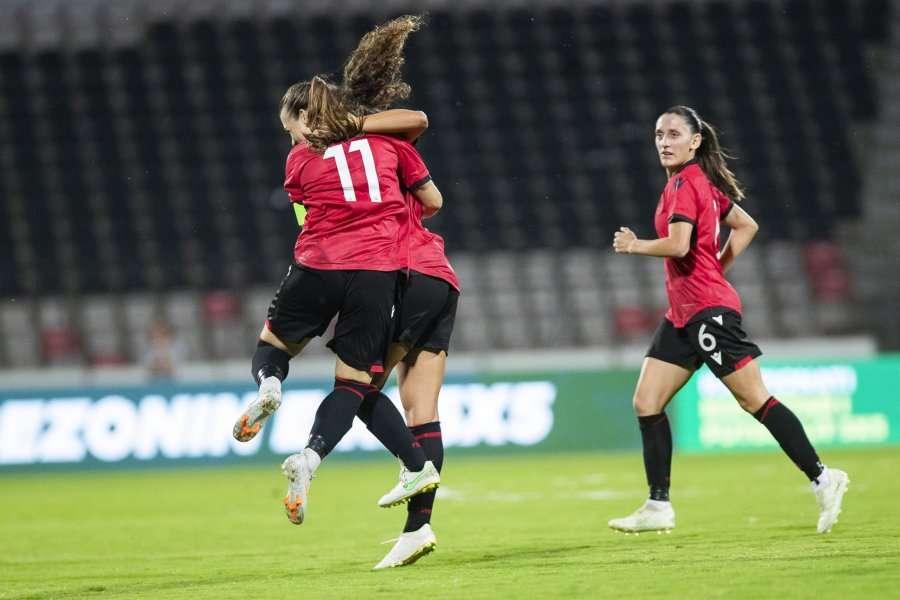 Shqipëria po udhëheq 1:0 ndaj Kosovës