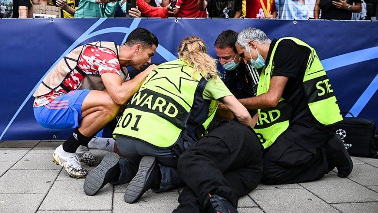 Ronaldo kaloi barrierën për ta ndihmuar rojën që e rrëzoi me goditjen me top