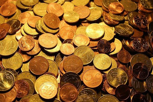 Qytetarëve nuk u kthehen centët, shitësit grumbullojnë mijëra euro në arkë