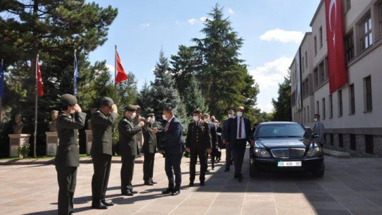 Mehaj viziton Akademinë Ushtarake Tokësore në Turqi