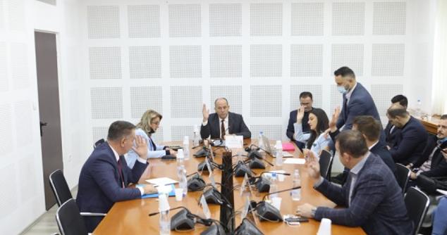 Debati publik për barrierat tregtare Kosovë-Serbi mbahet në tetor